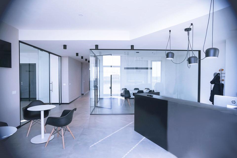 panoramica su un ufficio ristrutturato